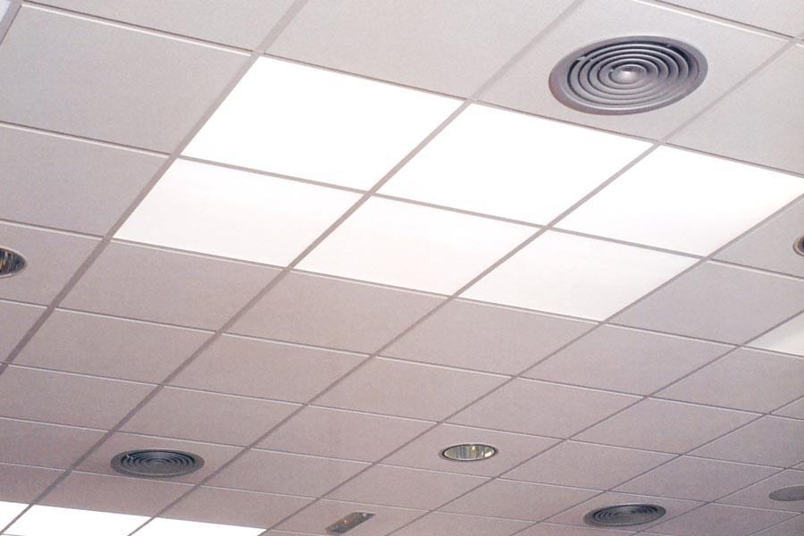 Instalación aire acondicionado oficina reparacionesbarcelona.cat